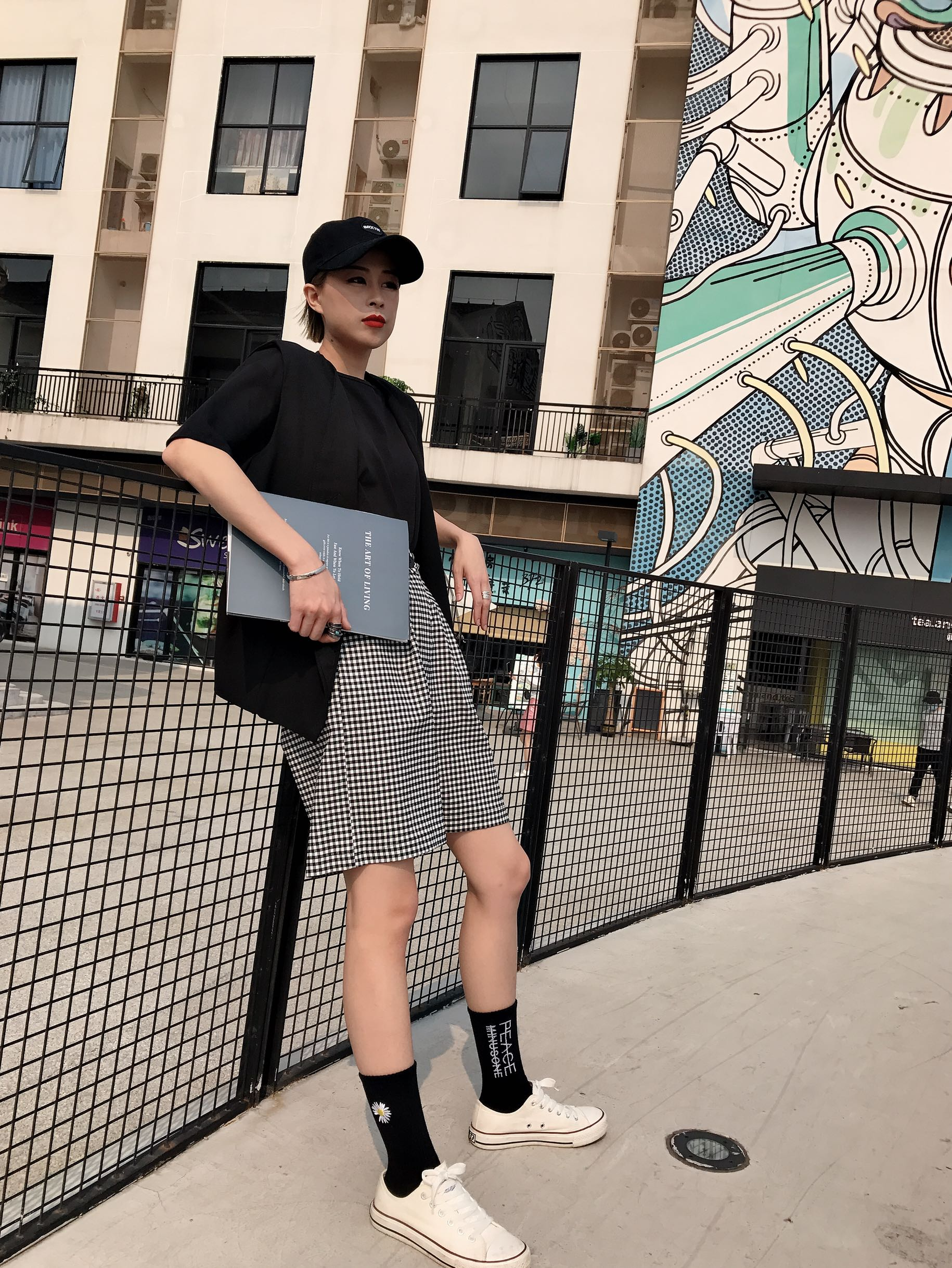 New checked five point shorts womens drooping high waist new loose fashion pants trend in summer 2020