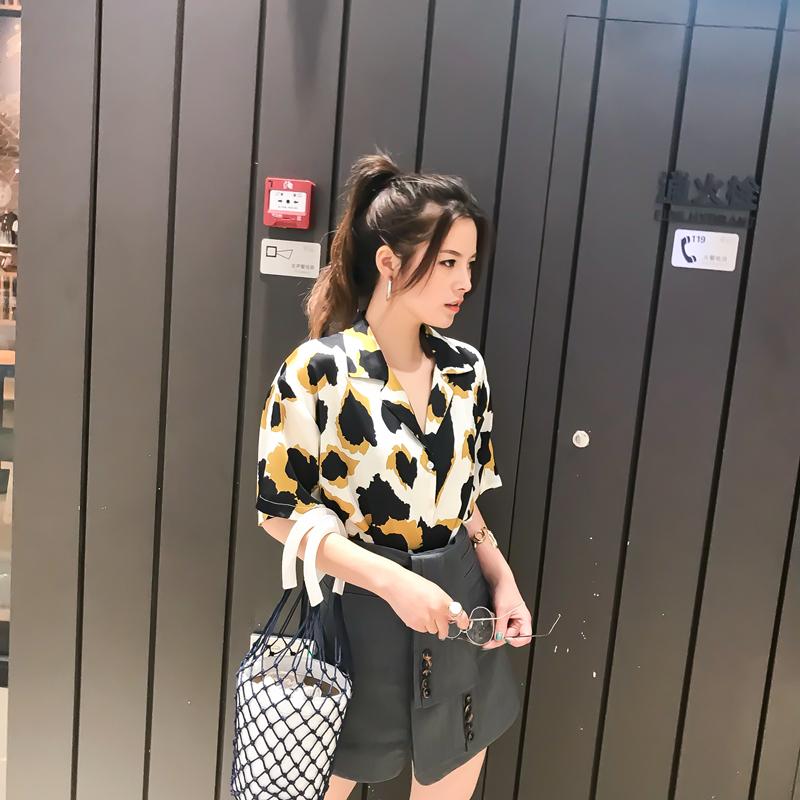 CICI 2018夏季新款女装 ins超火宽松V领短袖铜氨丝顺滑花色衬衫