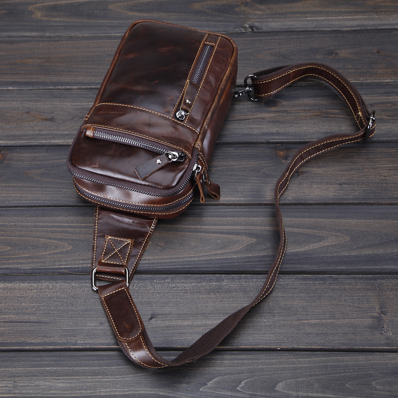 Mens chest bag, leather head layer, cow leather, retro messenger bag, fashionable mens oil bag, wax skin, fashion and leisure one shoulder Backpack