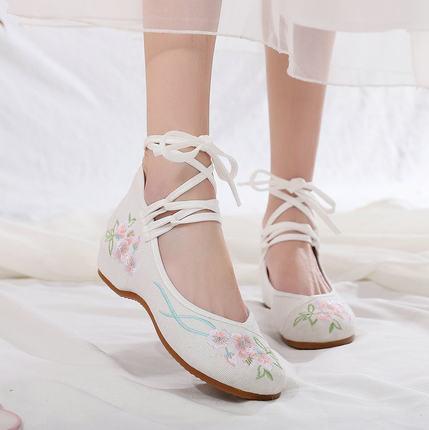 汉服鞋子女古风绑带老北京布鞋图片