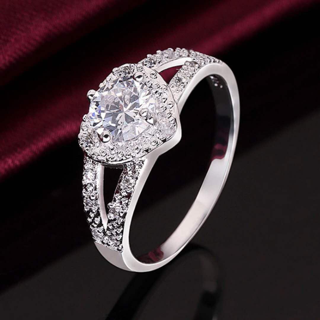 925纯银戒指女情侣韩版学生简约求婚钻戒男送礼物时尚镶明星同款