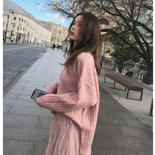 Net red sweater jacket for women in winter 2018 new style loose pullover, high collar bottom and thicker knitted sweater tops
