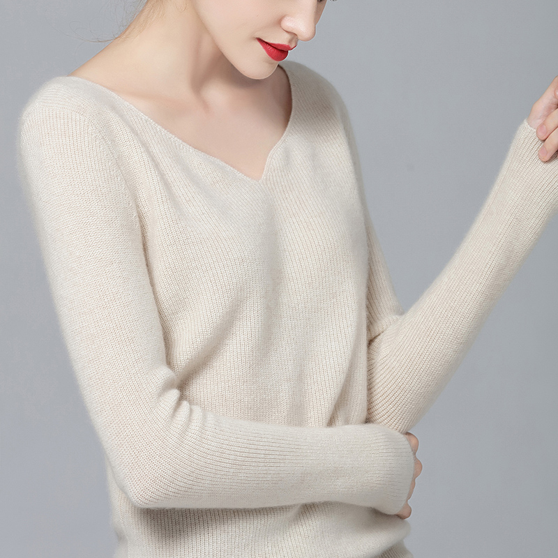 Deal with spring new style cashmere sweater with chicken core collar, womens 100% pure cashmere sweater, V-neck solid color pullover, Korean version sweater