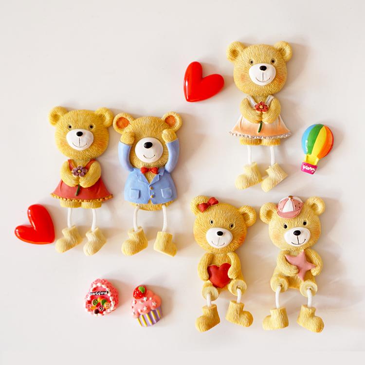 【萌小依】韓國可愛弔腳小熊娃娃磁扣冰箱貼婚紗熊吸磁貼家居飾品