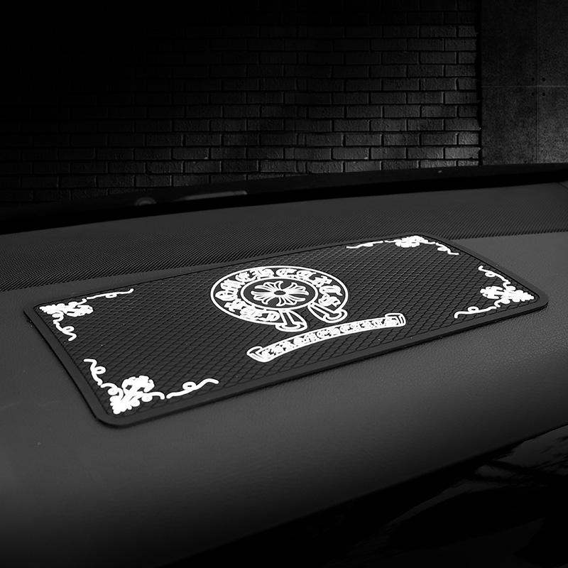 潮牌车用防滑垫防护垫置物垫仪表台置物垫手机香水垫汽车防滑垫