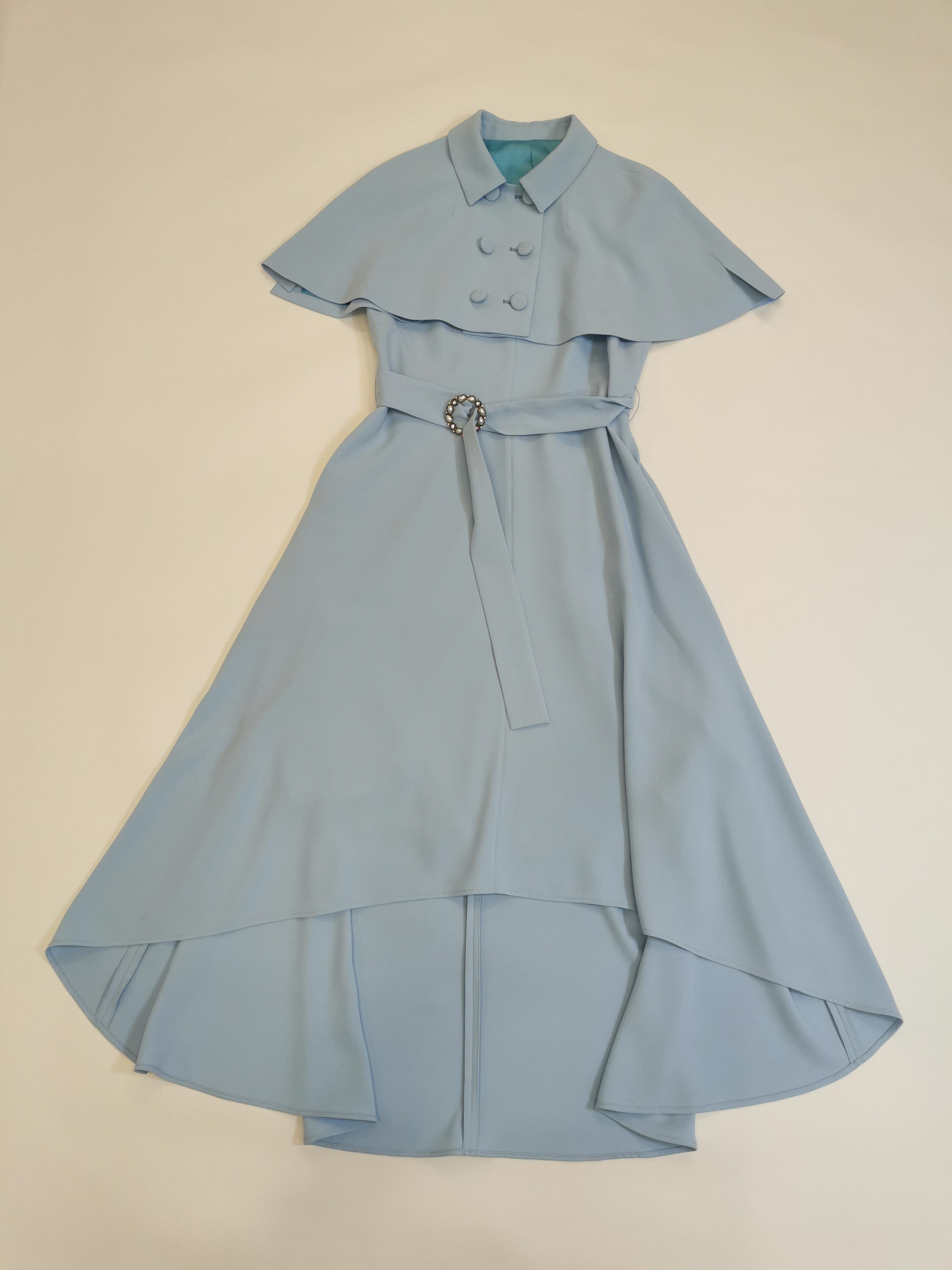 東姫の既製服は高級な服を注文して注文します。