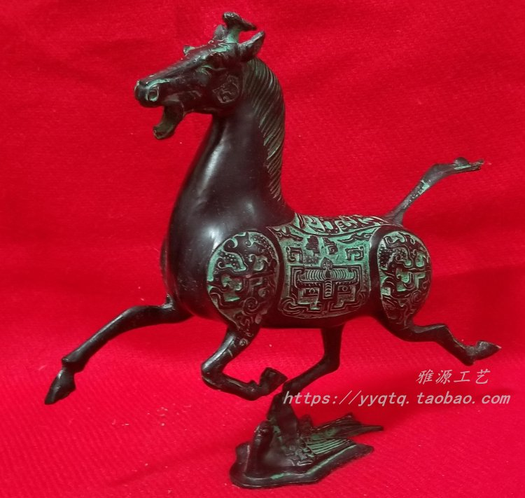 Bronze, brass, horse, galloping swallow, copper, galloping horse, pure copper, film, television, props, office, home furnishing, gift decoration collection