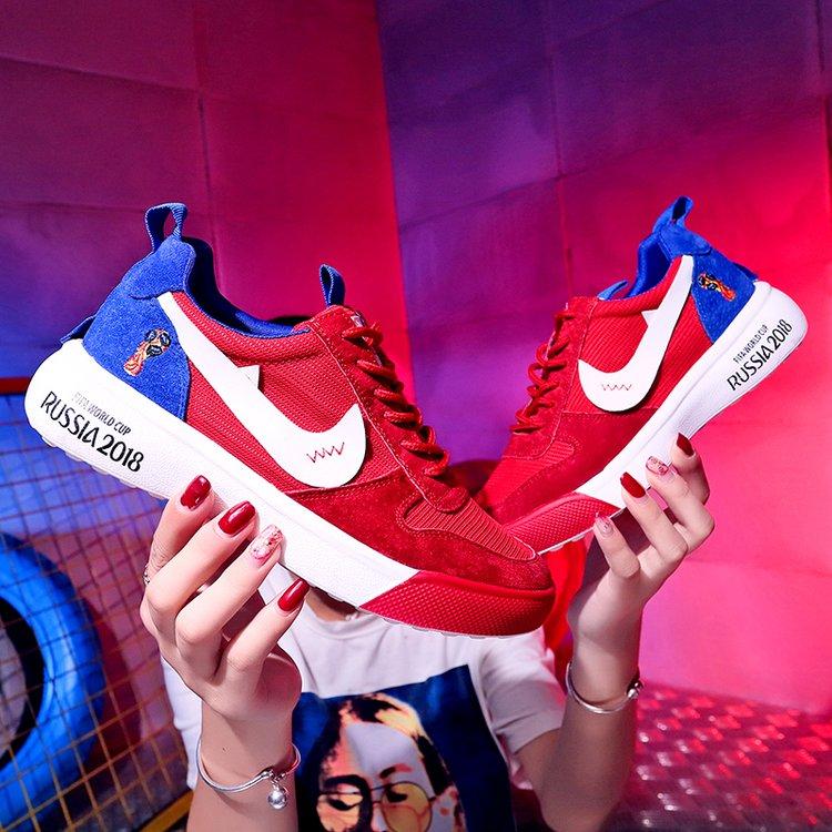 2018世界杯足球鞋新款运动软底舒运动鞋学生韩版真皮圆头休闲鞋女