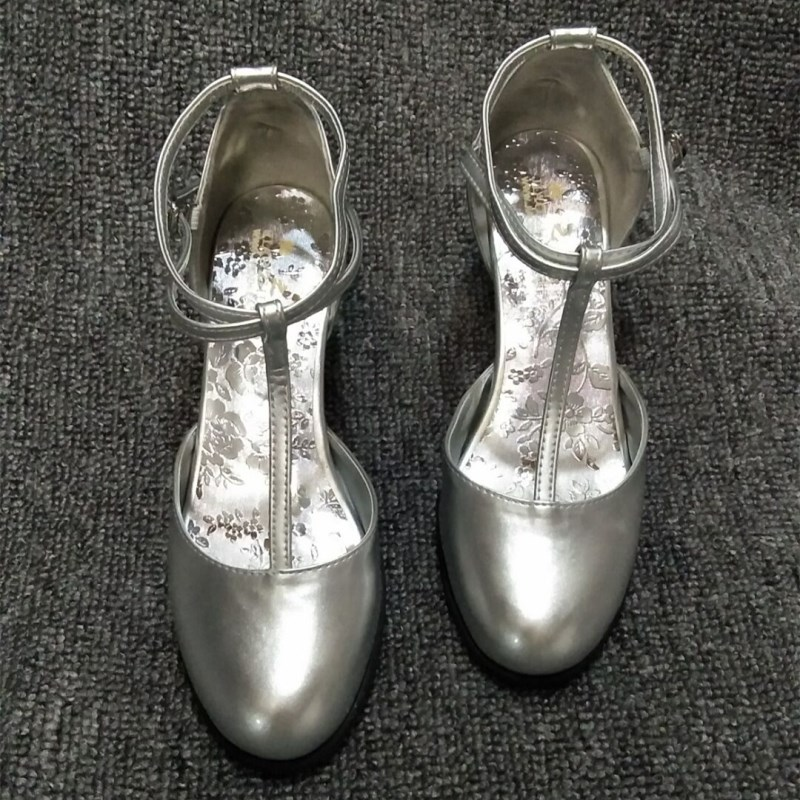 Customized shoes silver single shoes fashion show social square Latin dance light color heel style can be customized
