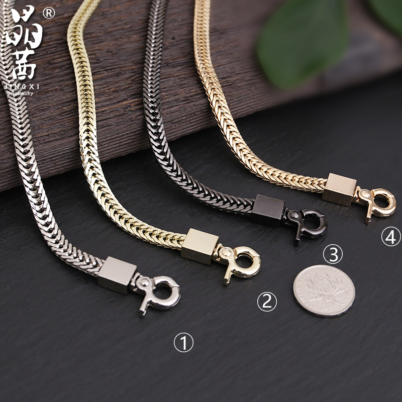 It is suitable for small bag chain accessories to replace light gold shoulder belt, lantern button and high-end detachable thin belt