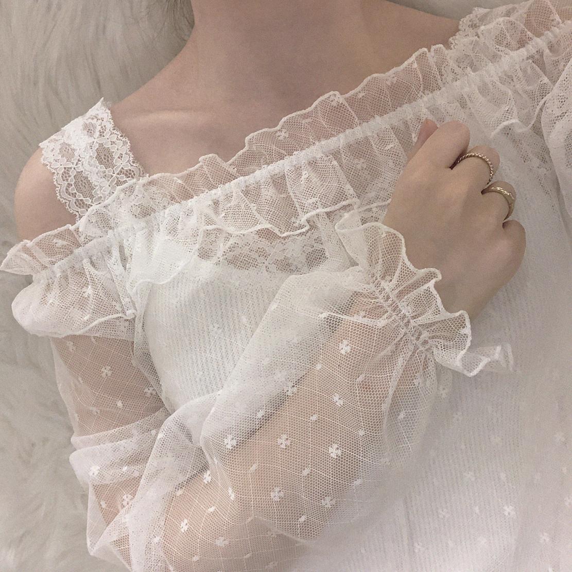 XIN 清澈凉爽透明感 蕾丝网纱 灯笼长袖 套头透视罩衫
