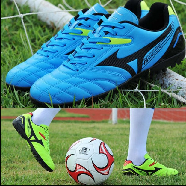 Student football shoes wide head wide foot shoes small size 31 childrens and teenagers football shoes