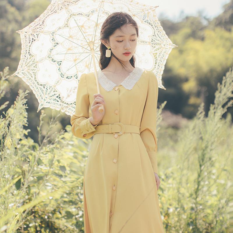 165.00元包邮法式复古娃娃领黄色秋冬长袖连衣裙