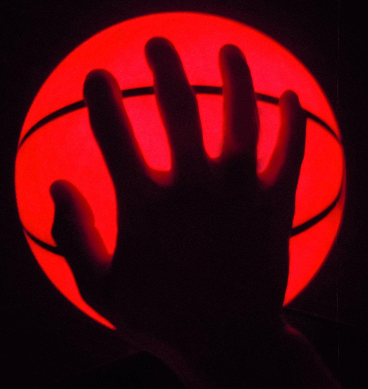 山猫体育 夜光篮球 反光荧光发光LED篮球橡胶 街球 花式漆皮篮球