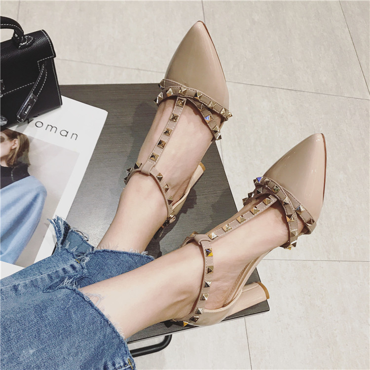 New rivet pointed high heels in spring and summer of 2019