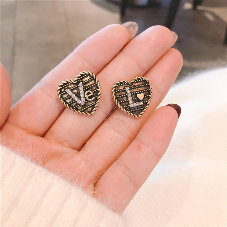 South Koreas new S925 silver needle fashion retro diamond letter Love Earrings personality Eternal Love Earrings