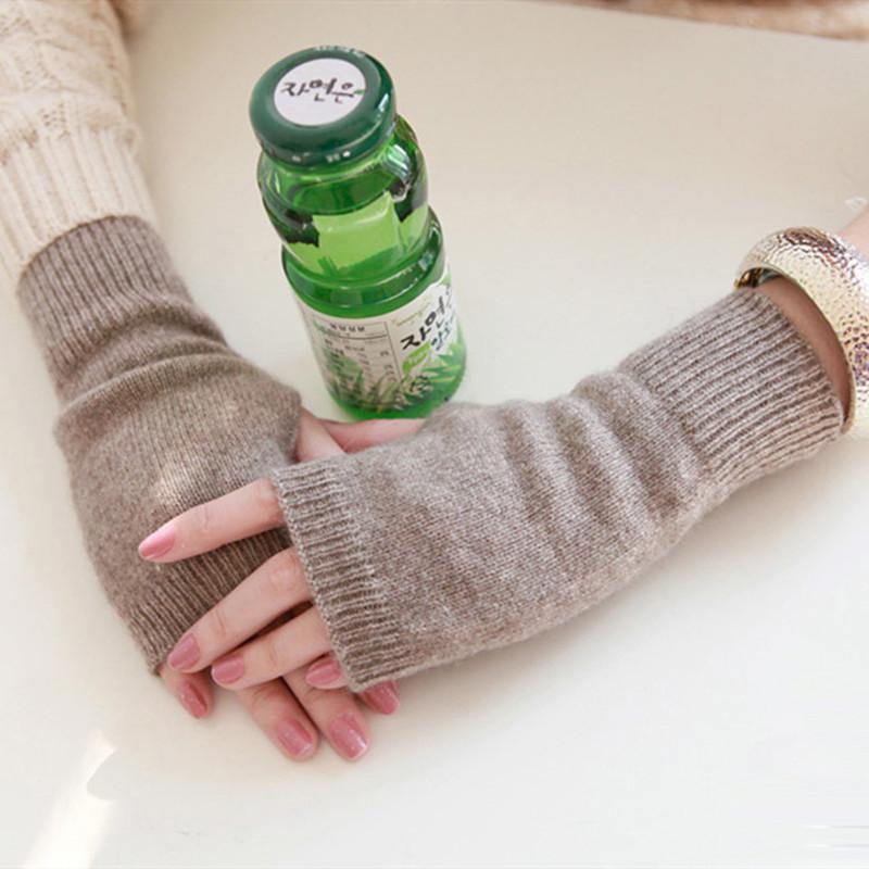 羊毛绒半指手套女士秋冬季保暖针织护腕男学生半截露指短款线手套