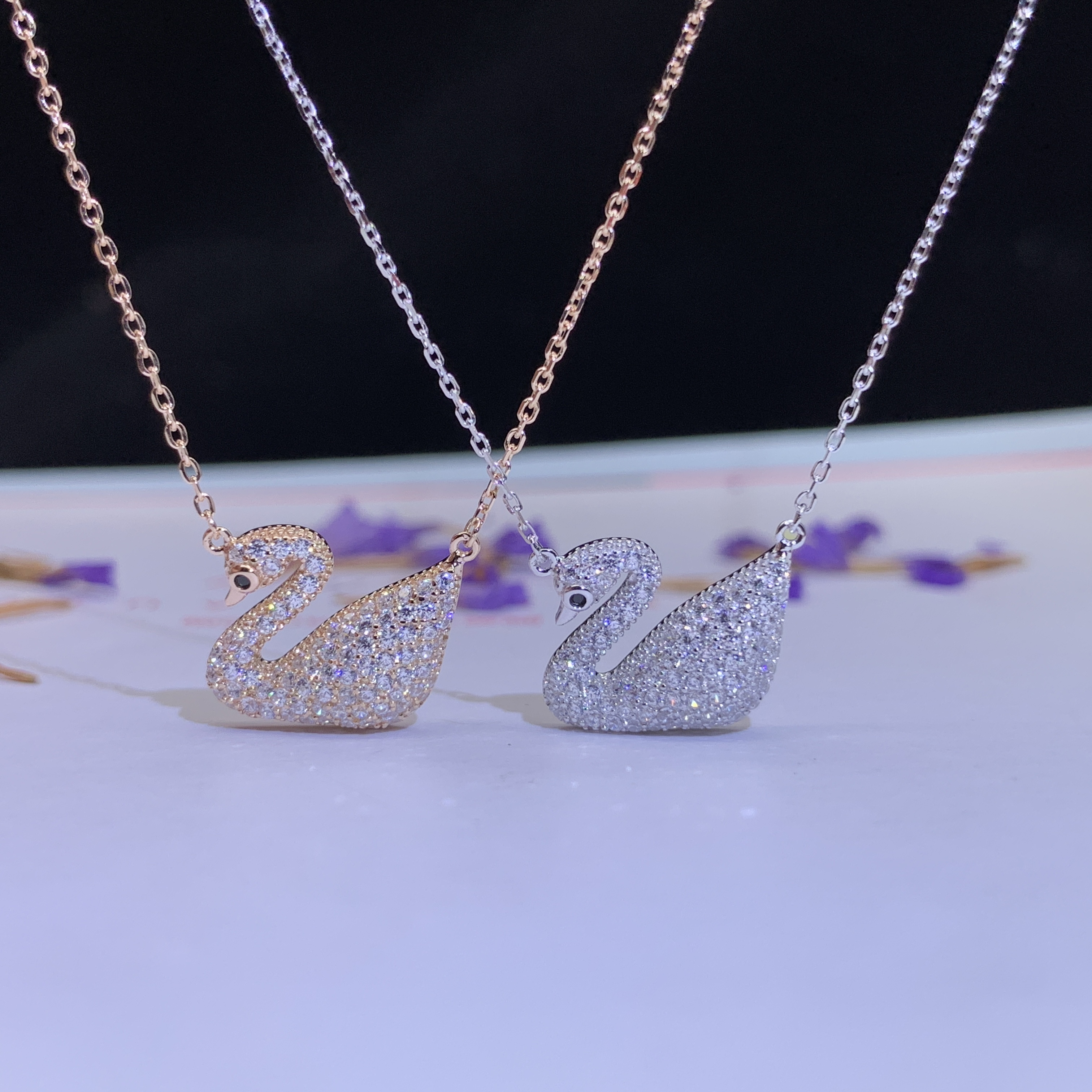 New pure silver swan necklace, fashionable jewelry, female clavicle chain, best friend, same female silver jewelry, simple style, small and fresh