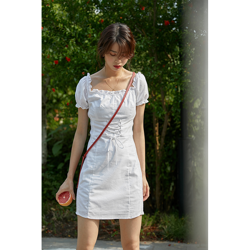 裙子法式小众桔梗复古收腰显瘦气质小个子泡泡袖方领连衣裙女夏季