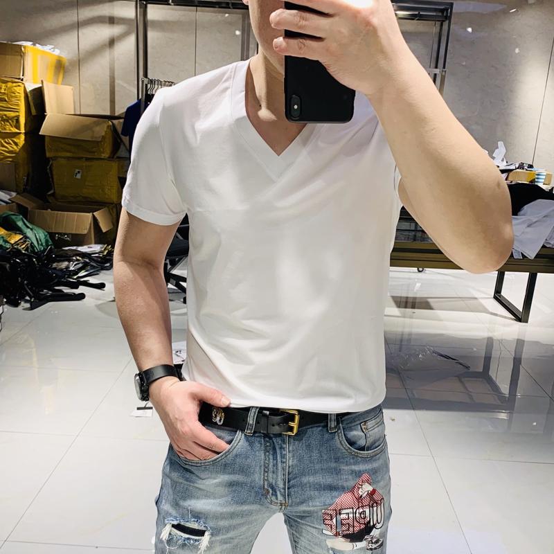 2020夏季新款简约修身男士大V领T恤潮流时尚青年帅气丝光棉短袖潮