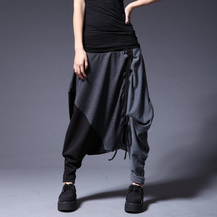 Daily special price, loose personality, big size, cool womens dress with summer Harlem pants on both sides, showing thin, wide leg, big crotch and thin pants