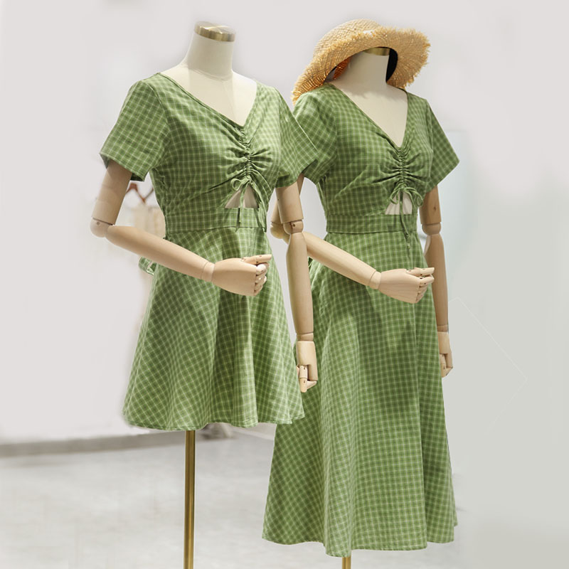 Light green yellow V-neck chest with drawstring and lace up to show chest, waist exposed and waist retracted Plaid Cotton Linen boudoir dress
