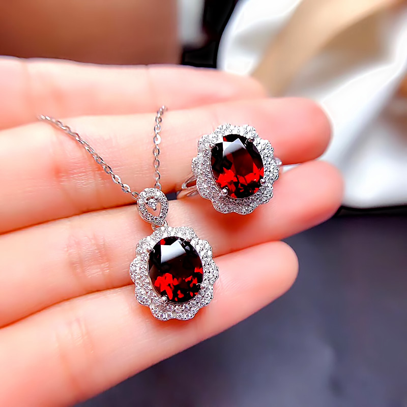 New spot silver plated inlaid pigeon blood red garnet gem set pendant ring live female style Japan and South Korea
