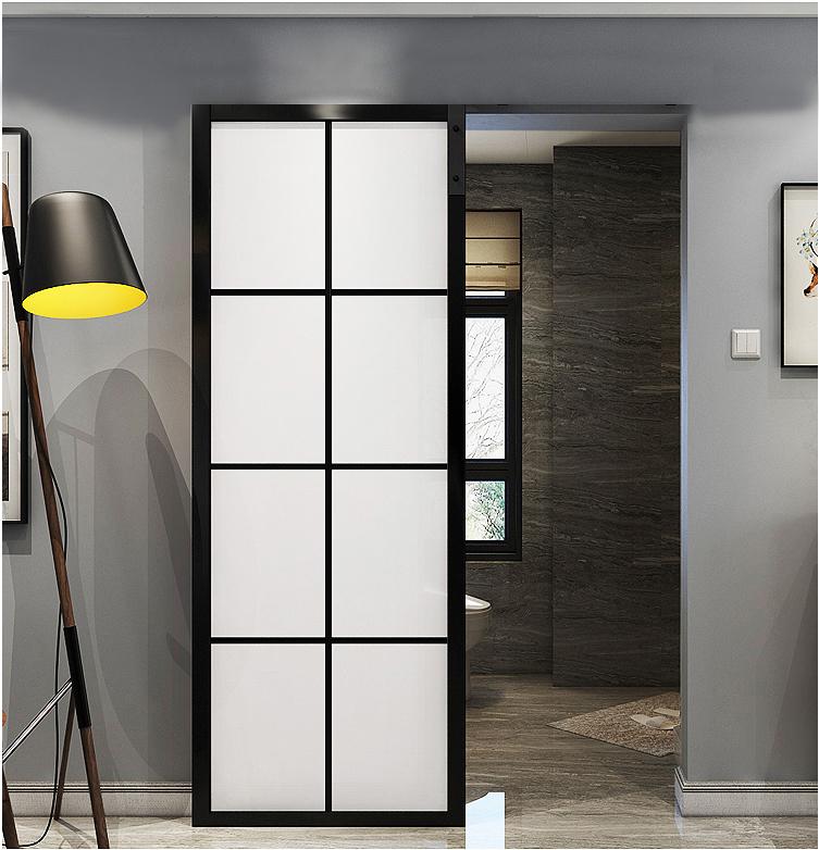 アルミ合金門の谷倉門ガラスが仕切られています。トイレの台所に防水があります。北欧プッシュプル浴室のドアが折り畳まれています。