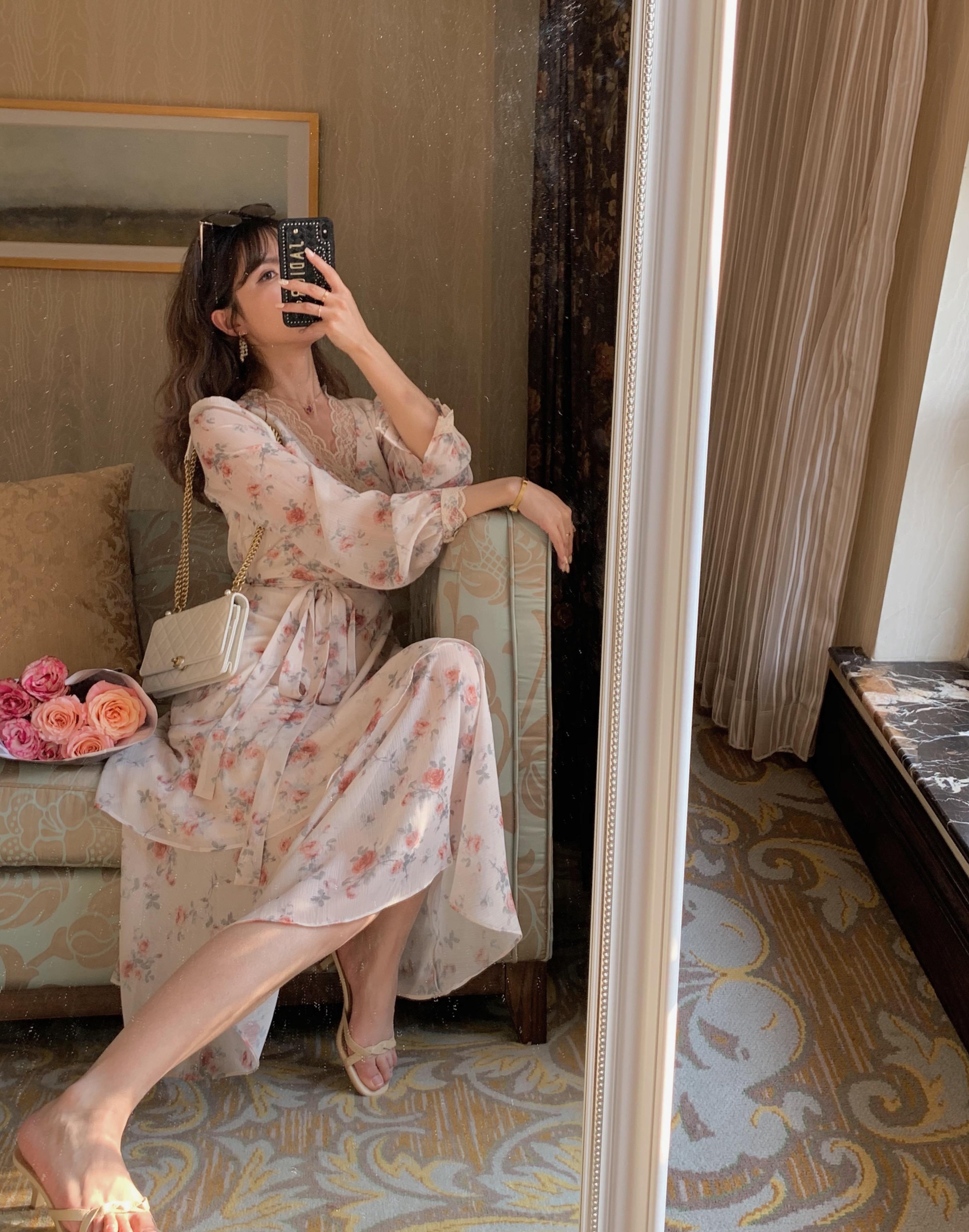 acaine 法式复古优雅碎花裙v领蕾丝花边设计抽绳收腰长袖连衣裙女图片
