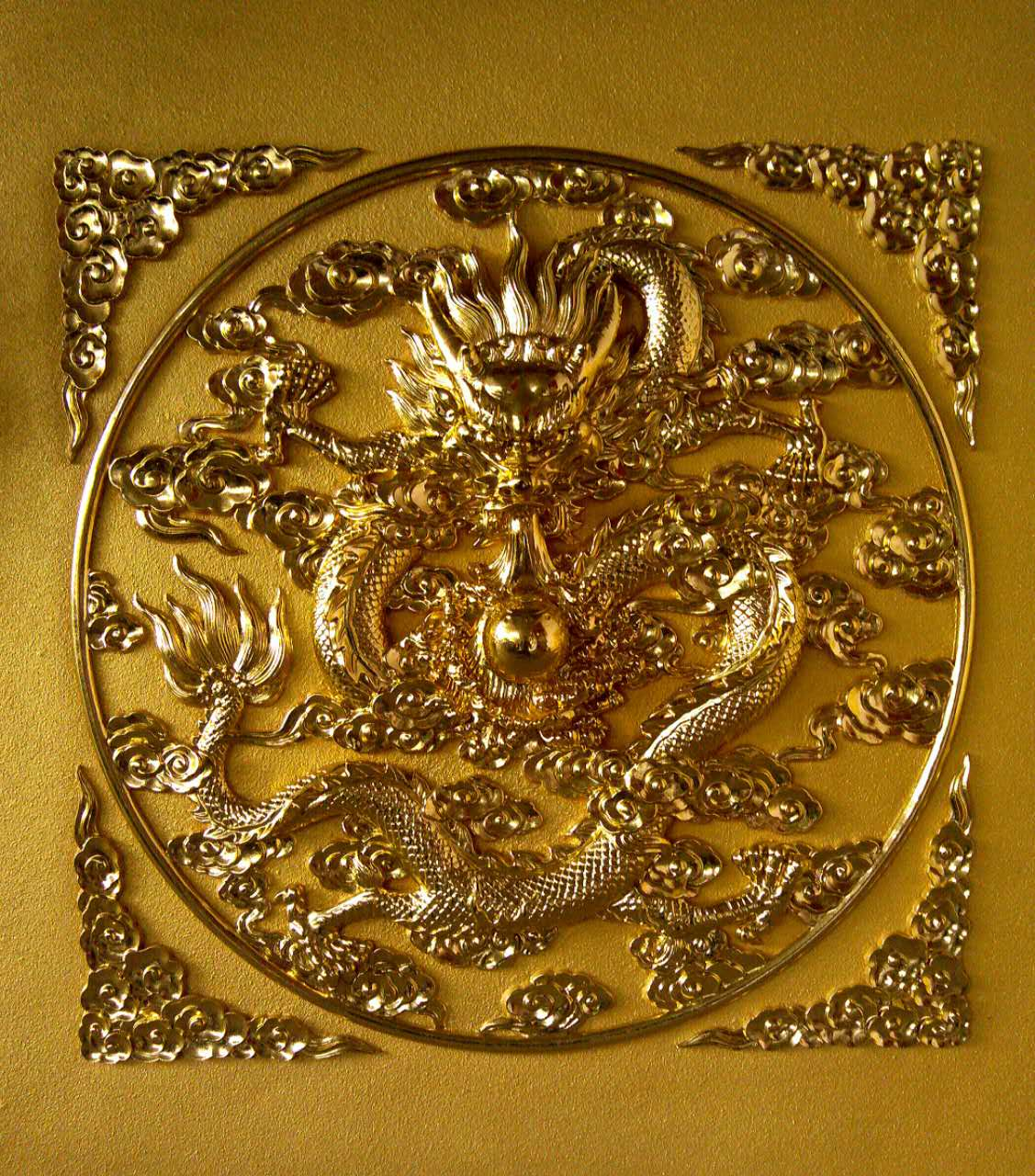 Ceiling composite board painted pure gold ceiling antique decoration to undertake various necessities of temple decoration