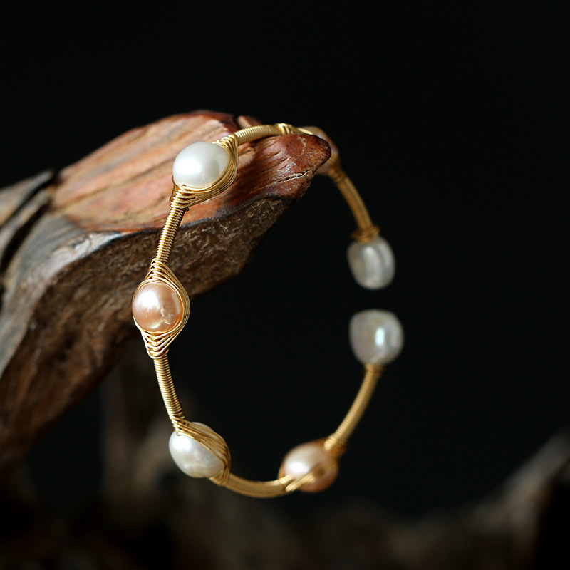Natural freshwater pearl bracelet with white and pink pearls, 14K copper plated, gold covered, hand wound, Korean Bracelet