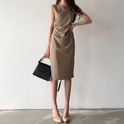 赫本法式褶皱裙子修身包臀连衣裙2020新款女夏中长款小心机直筒裙