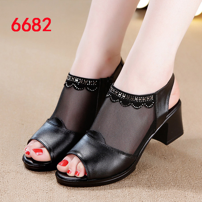 Half heel yarn mesh sandals womens wear new spring and autumn and summer native middle-aged high-heeled mothers leather shoes are hollowed out