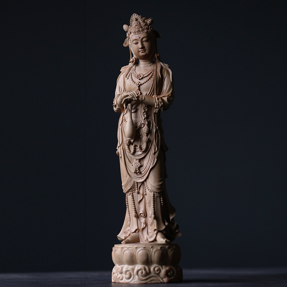 Indian Laoshan sandalwood net bottle Guanyin ornaments, whole wood famous hand-made knife cleaning process, stationery and wood carving collection