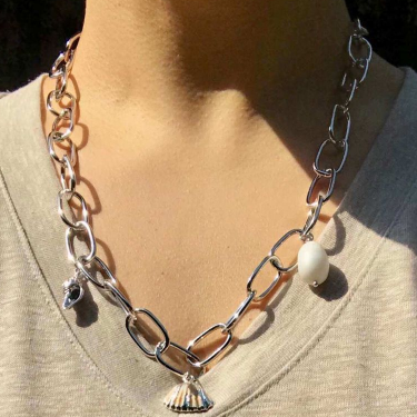 Korean exaggerated thick chain necklace clothes accessories sweater chain female autumn and winter personality net red clothes pendant neck chain tide