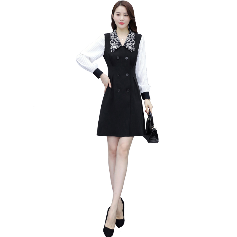 Spring new style temperament aging embroidered collar fashion black and white contrast color long sleeve dress slim dress