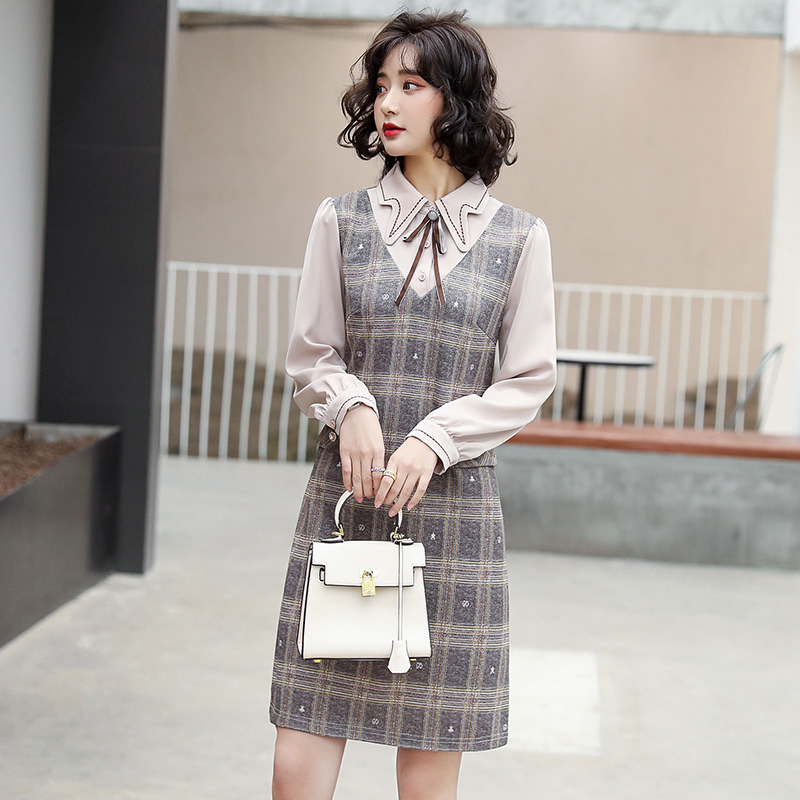 Spring new fashion one-piece dress elegant fake two piece patchwork Plaid embroidered dress Micah / light blue