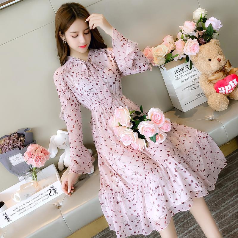 Chiffon dress womens 2019 new summer dress medium length Korean Long Sleeve Ruffle Skirt sweet floral skirt