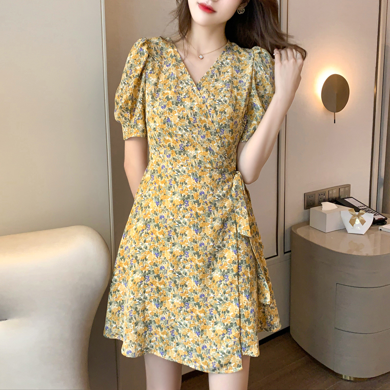 Real shot 2020 new summer floral dress womens dress retro French thin A-line bubble sleeve knee length skirt