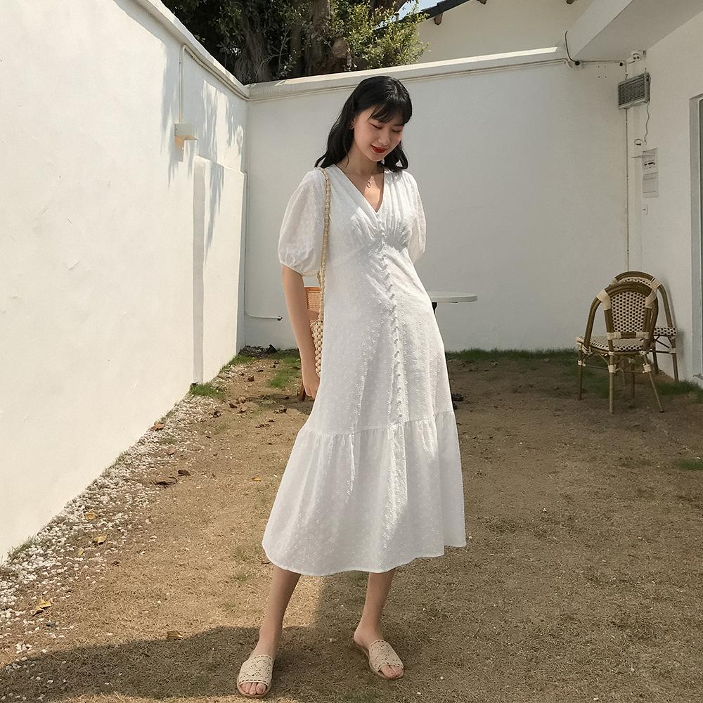 爱蔷薇智熏法式V领白色连衣裙子宽松女仙2020夏季大码显瘦中长款图片
