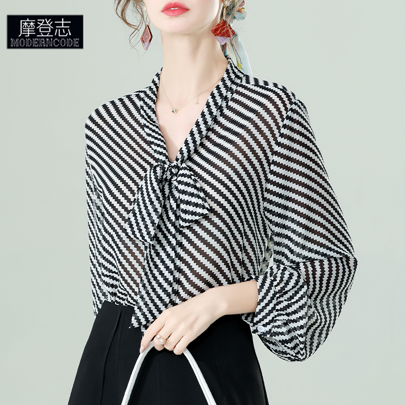 Spring and summer lace up long sleeve top womens thin black and white vertical stripe chiffon shirt beautiful small shirt loose vertical feeling season