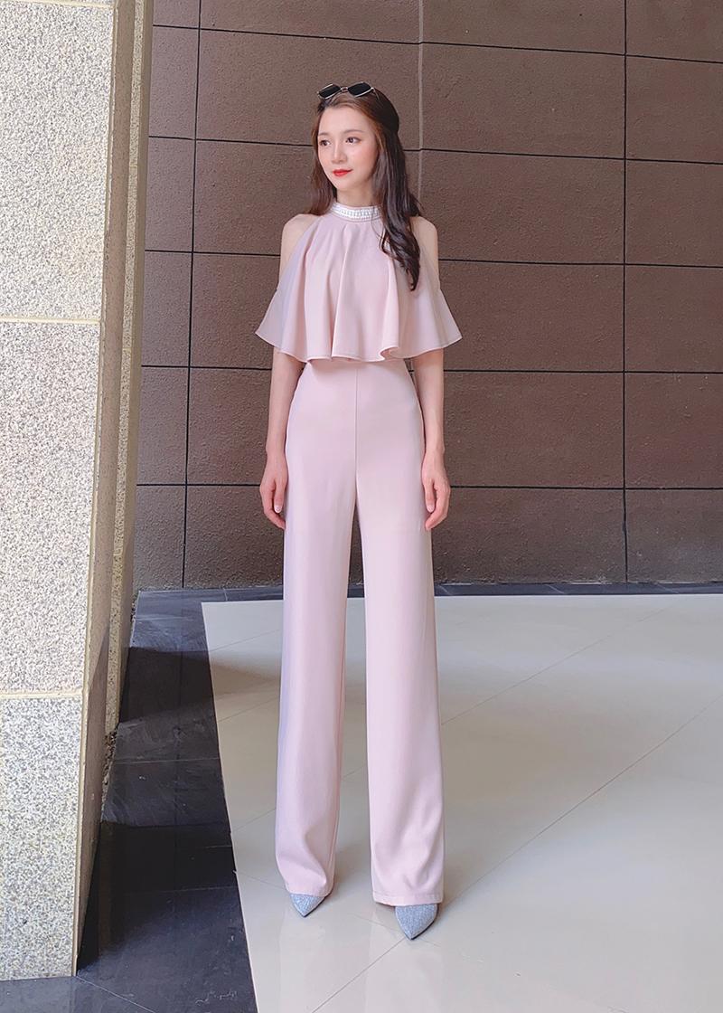 泰国潮牌女21春夏新款名媛气质性感露肩荷叶边长袖高腰显瘦连体裤