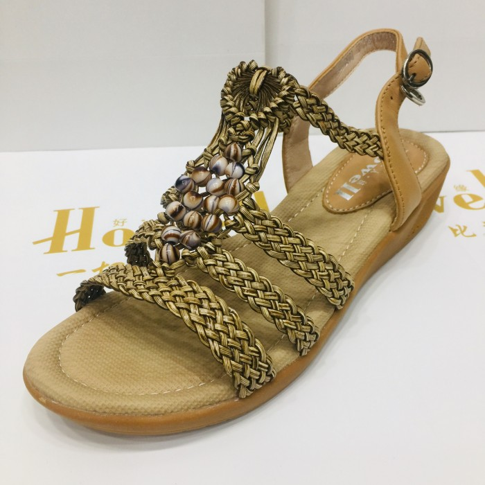 Authentic Senda popular womens shoes at the counter