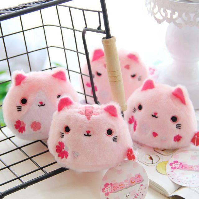 日本樱花系小猫咪粉团子龙猫公仔樱花猫手掌豆沙包捏脸饭团靴下猫