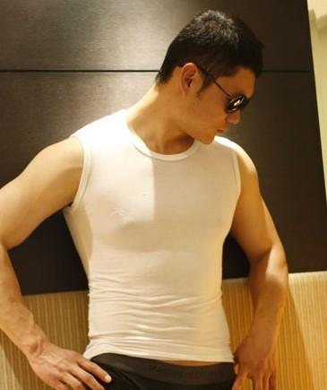 Custom fashion summer mens tight solid color bottomed round neck vest waistcoat sleeveless slim fit cotton underwear top