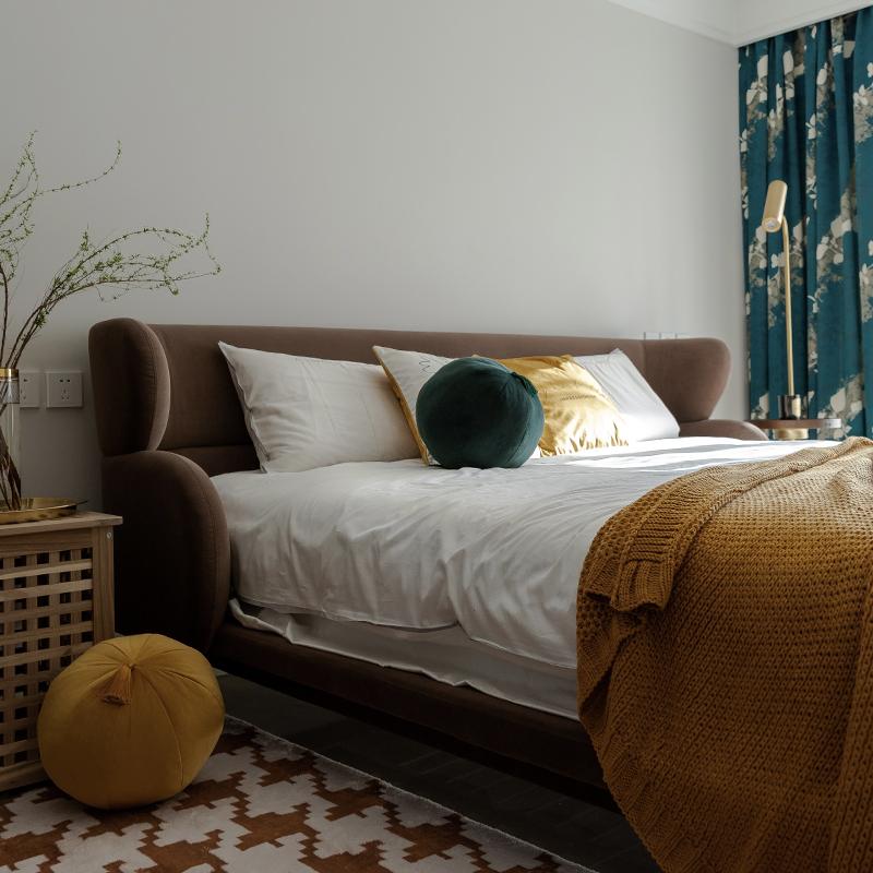 涵客家居丨定制轻奢现代简约天鹅绒软包沙发环抱 luna双人布艺床