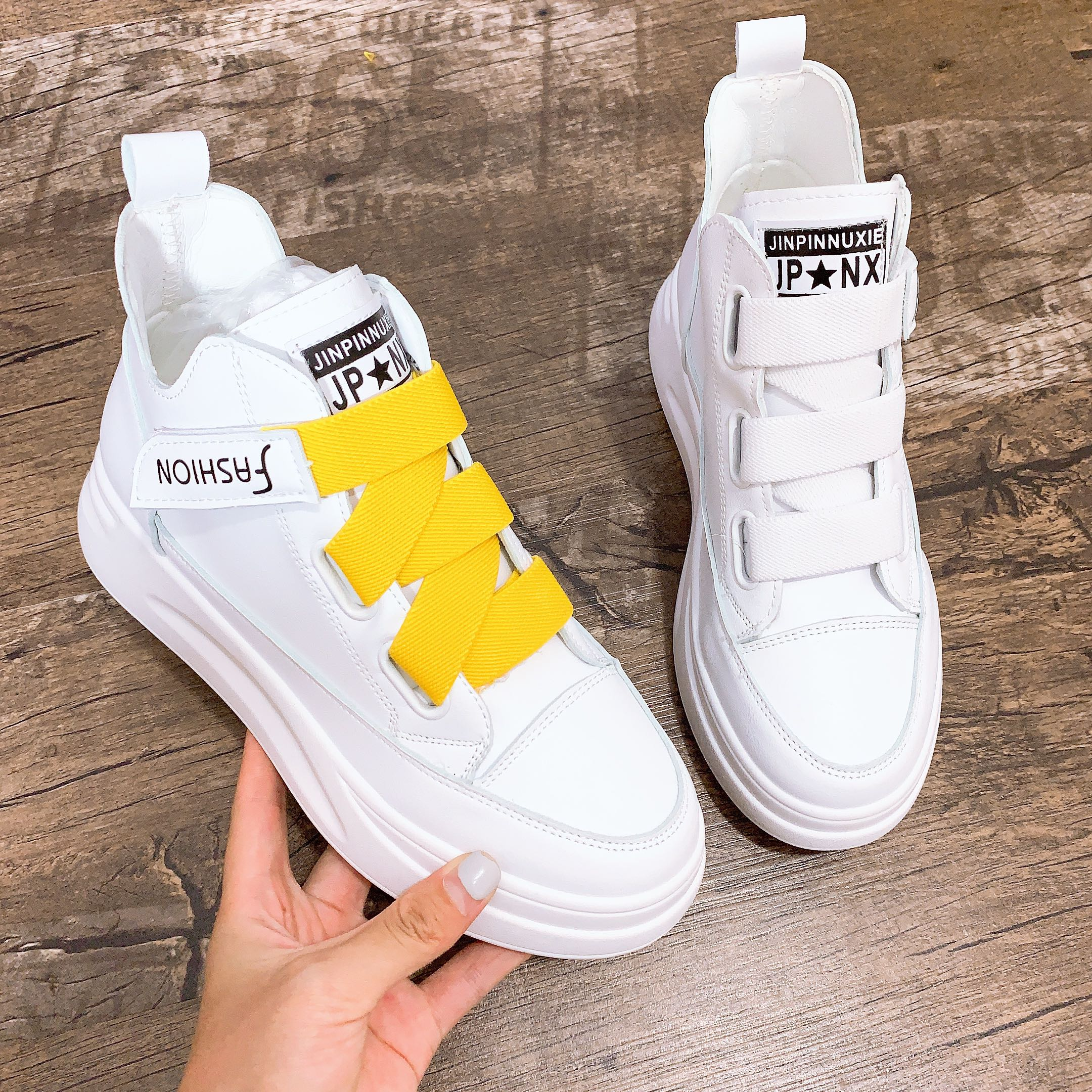 Small white shoes womens high rise thick soled womens shoes 2019 new high top shoes with buckle