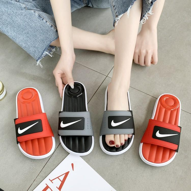 Slippers fashion in summer 2020 new Korean version bathrooms wear flat air cushioned beach shoes outside home