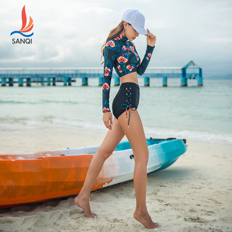 High end swimsuit womens split two-piece set conservative flat angle long sleeve slim sports small chest gathered hot spring swimsuit