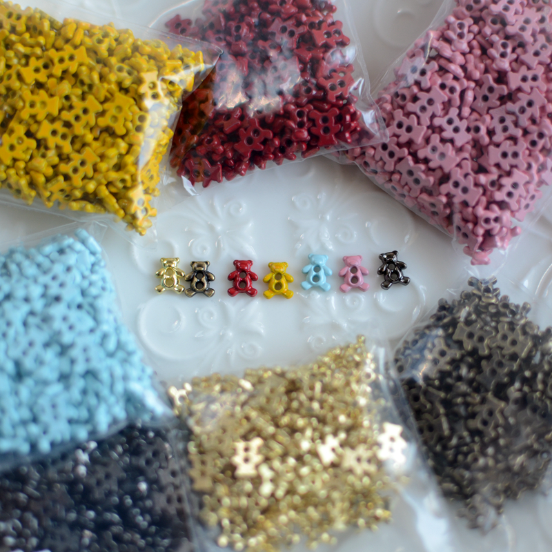 Mini bear color paint alloy small hand sewing button with BJD small doll clothes button 2.8 yuan 10